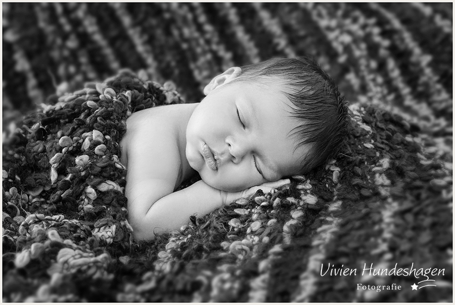 Newbornfoto - schlafendes Baby