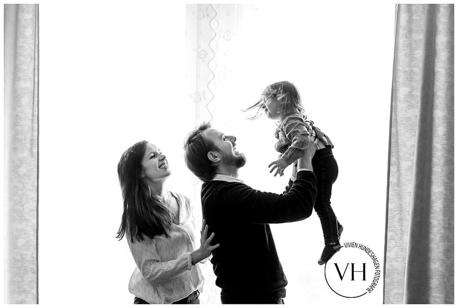 Familienfoto_Braunschweig_hannover_Wolfsburg_Homestory_Lifestyle_Wolfenbüttel_MutterKind_Fotoshooting_natürlich02
